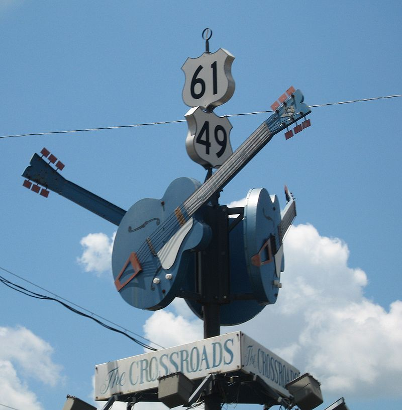 marker on the crossroad that Robert Johnson sold his soul